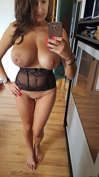 Meztelen nő