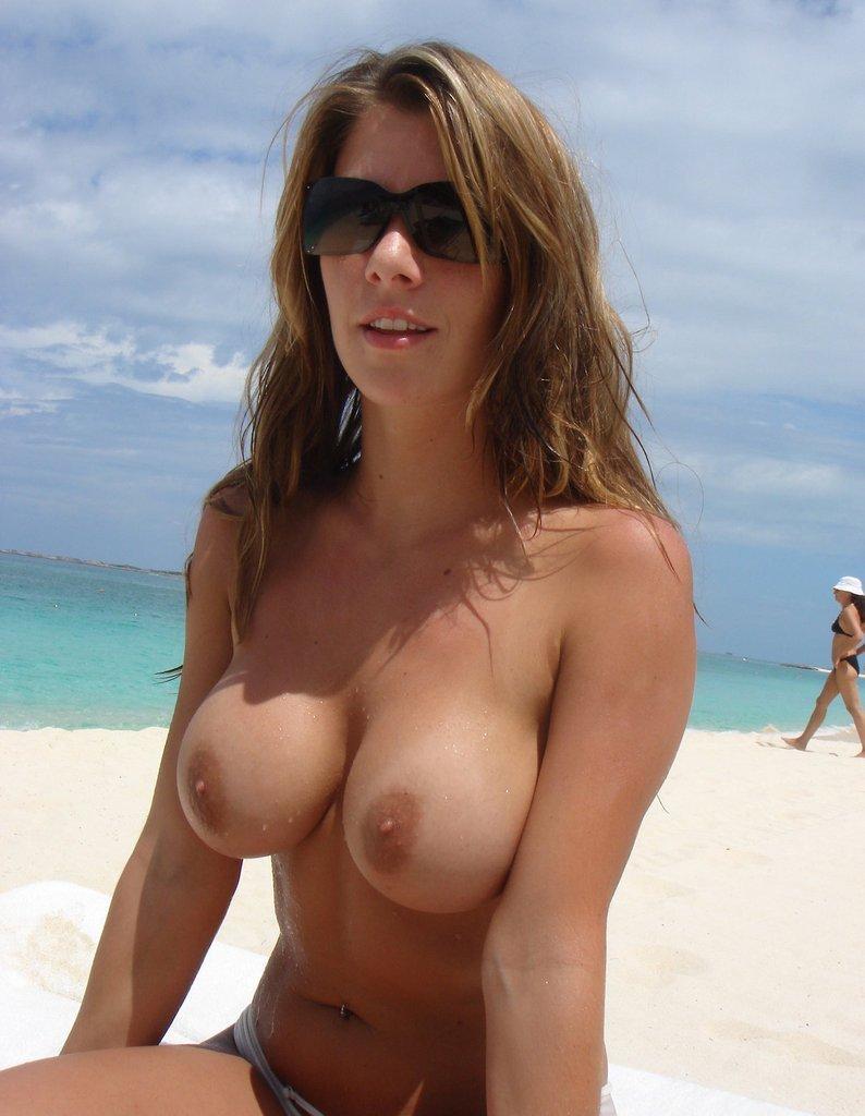 Nudista MILF